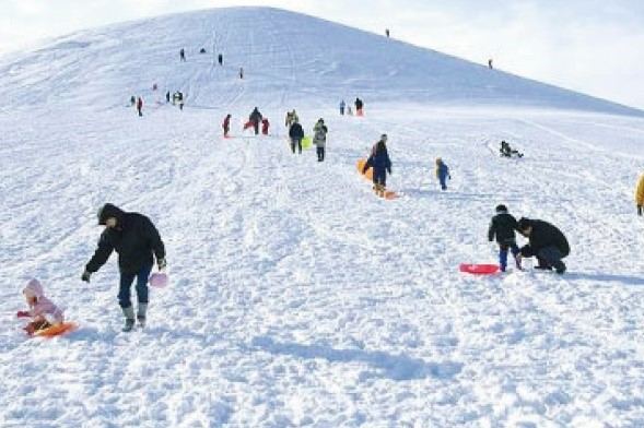 (HOKKAIDO) Let's play with snow at Sapporo Moere Park & Hot Spa