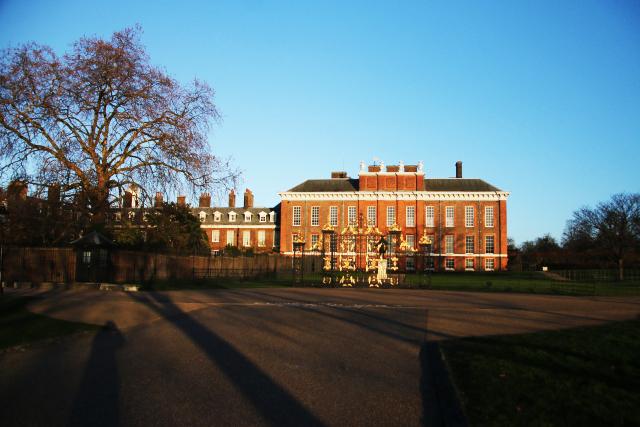 ロンドンで英国のロイヤル・ベイビーに会える(かもしれない)ケンジントン宮殿